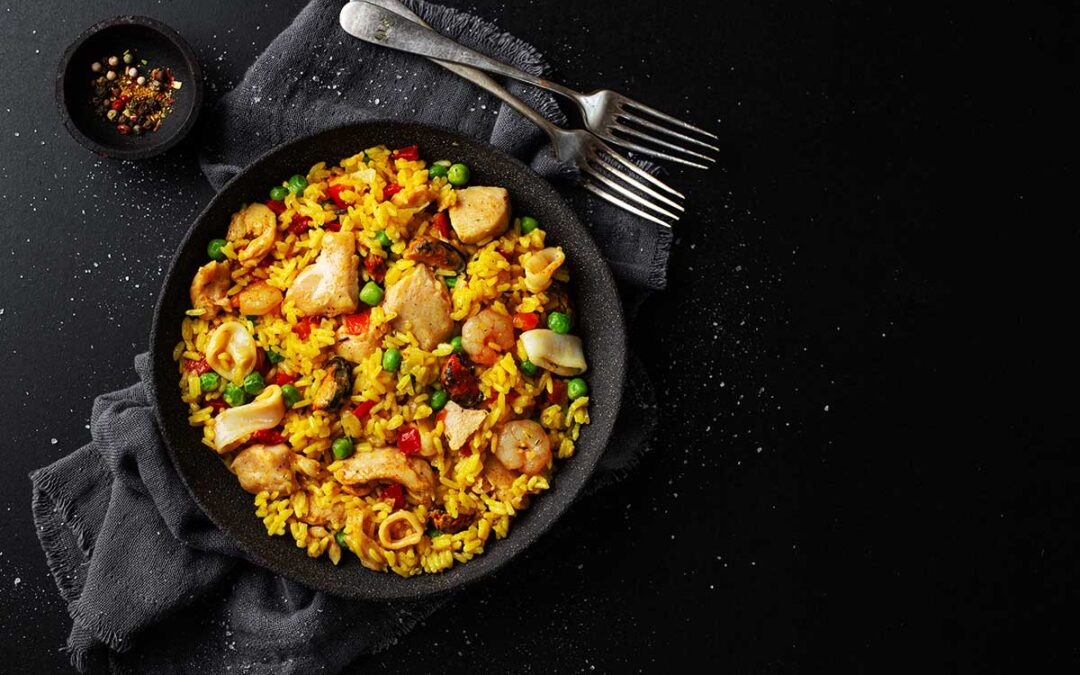 Learn how to make paella with this simple and easy recipe