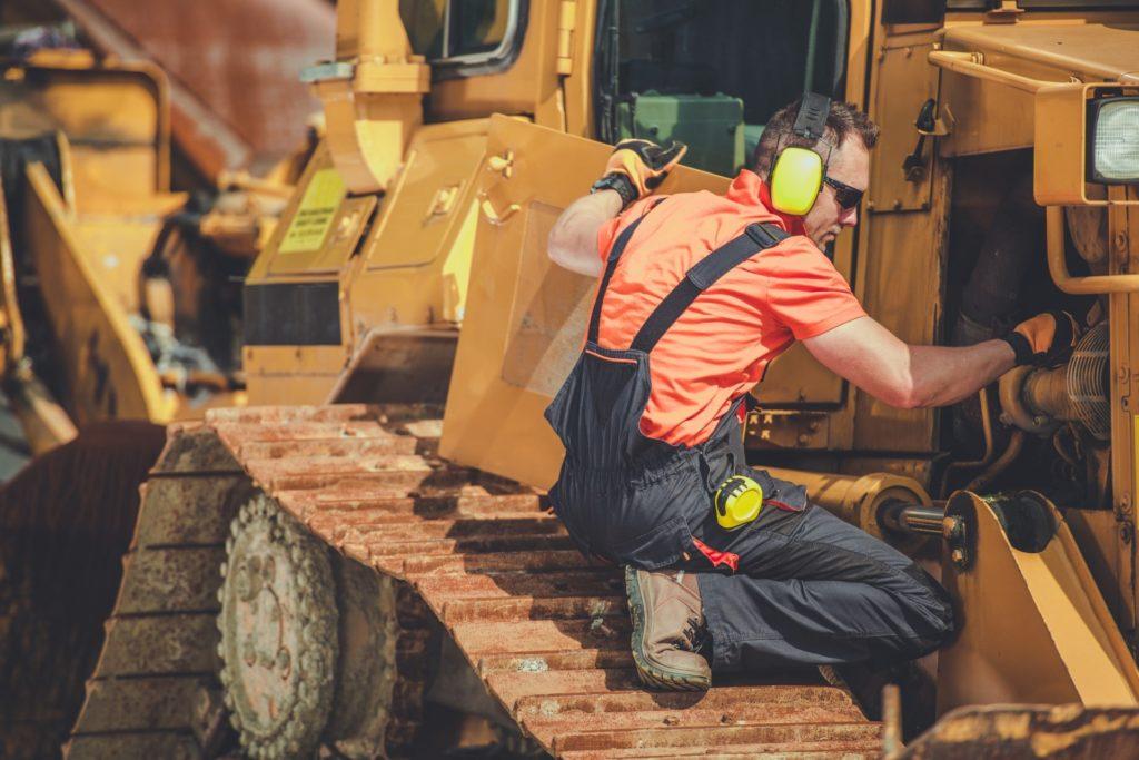 bulldozer professional mechanic