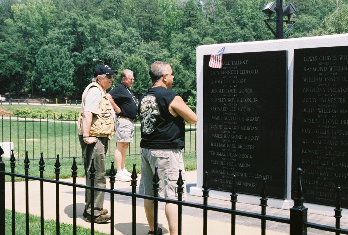 20 Bernie Edelman at the VN Memorial