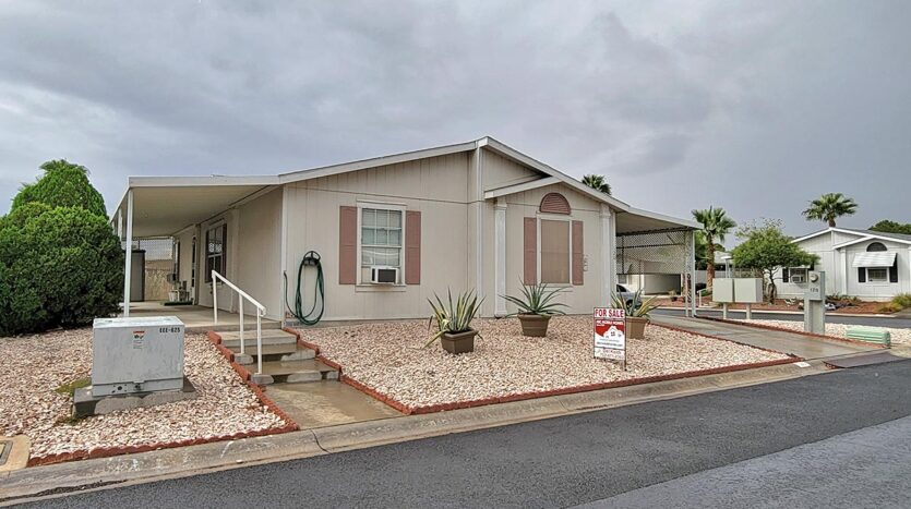 3-bedroom 2-bath manufactured home For Sale in Paradise Trails all-ages mobile home park - 2485 W. Wigwam Ave. #120 Las Vegas, NV 89123 abcmobilehomes.com (702) 641-4444
