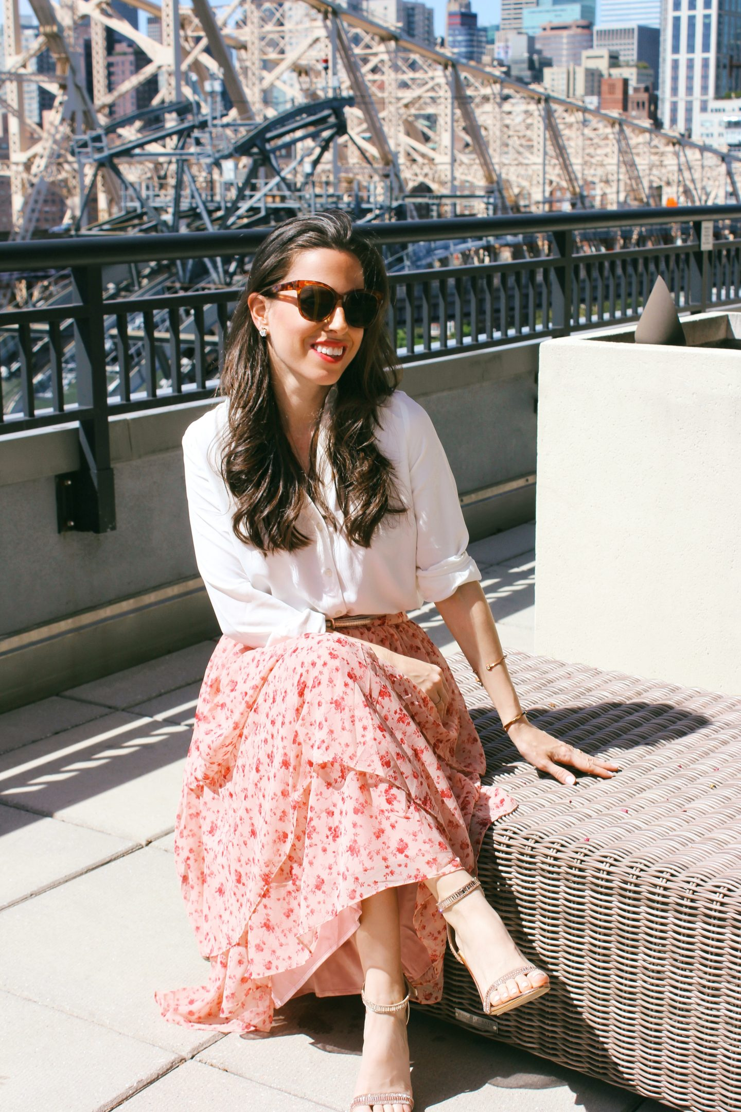 how-to-wear-tiered-ruffle-skirt