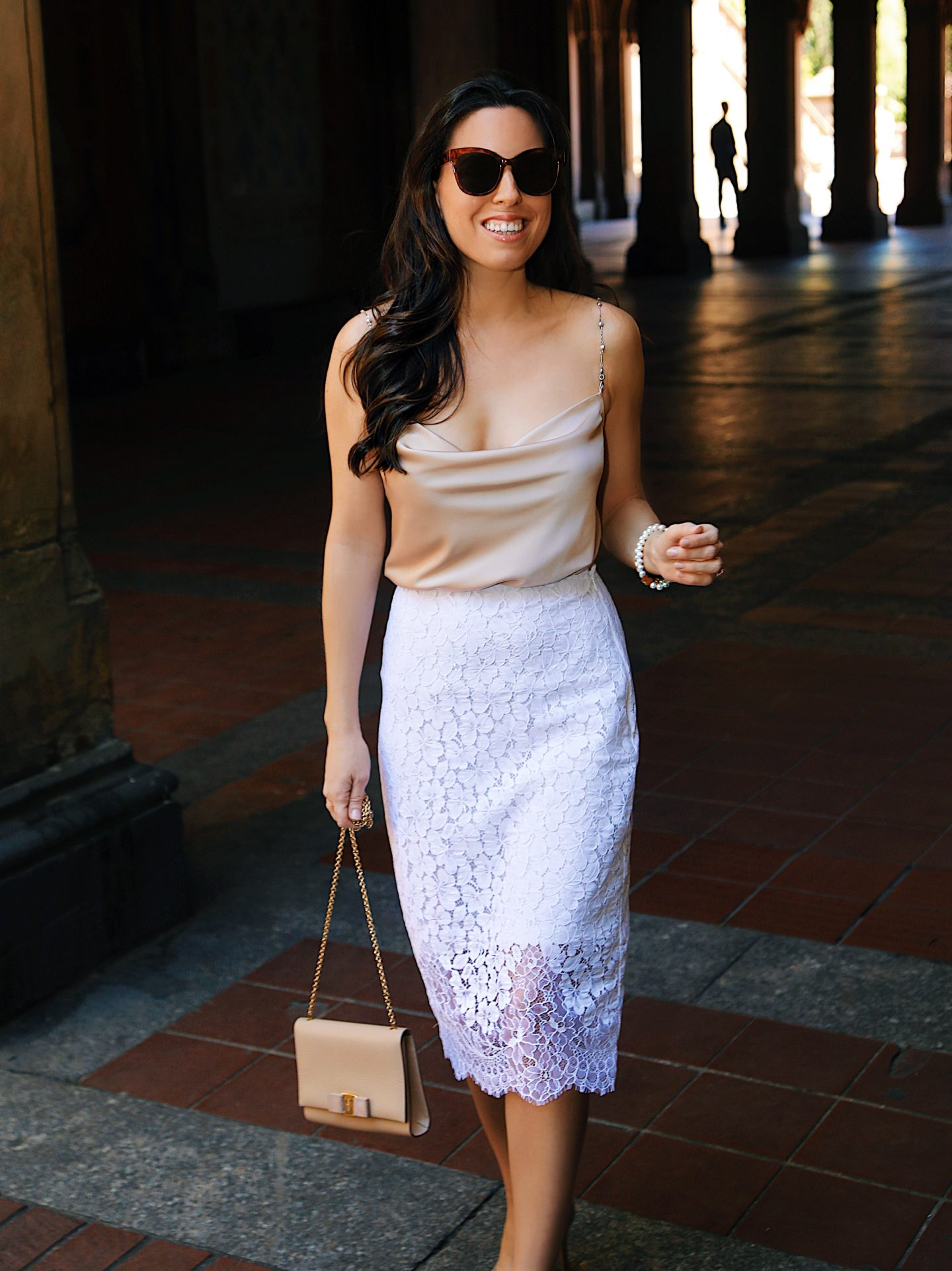 lace pencil skirt outfit