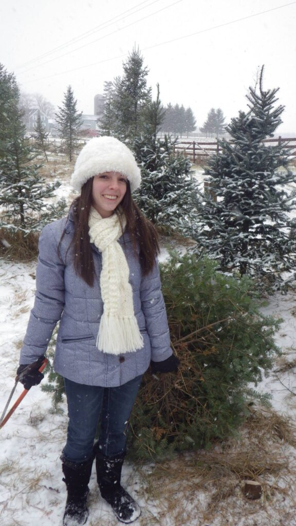 Christmas tree u-cut- socially distanced Christmas activities in Chicagoland