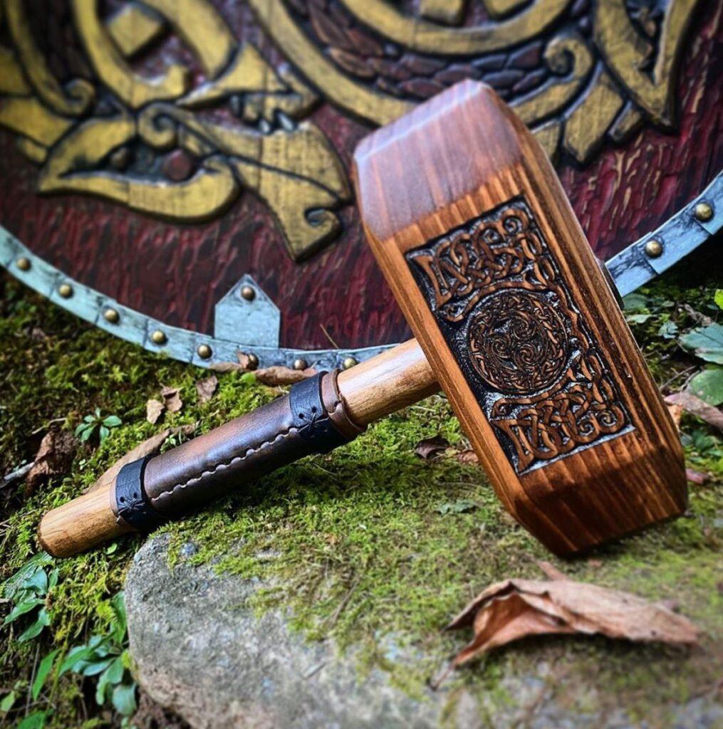 Klan shield and hammer