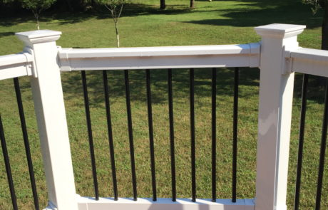 Phoenix PVC Railings with Round Aluminum Black-001