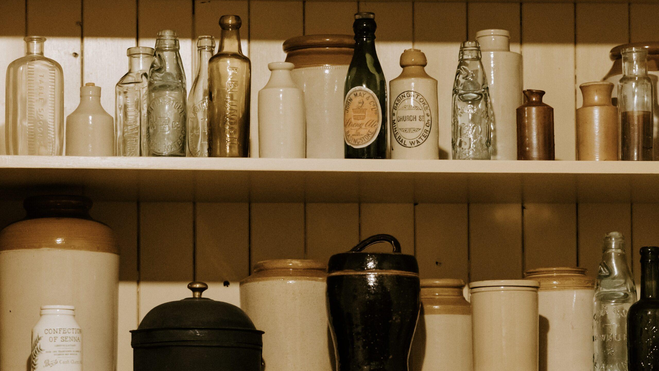 hh holmes kept shelves of poison
