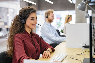 image to display customer service employee for request for quote