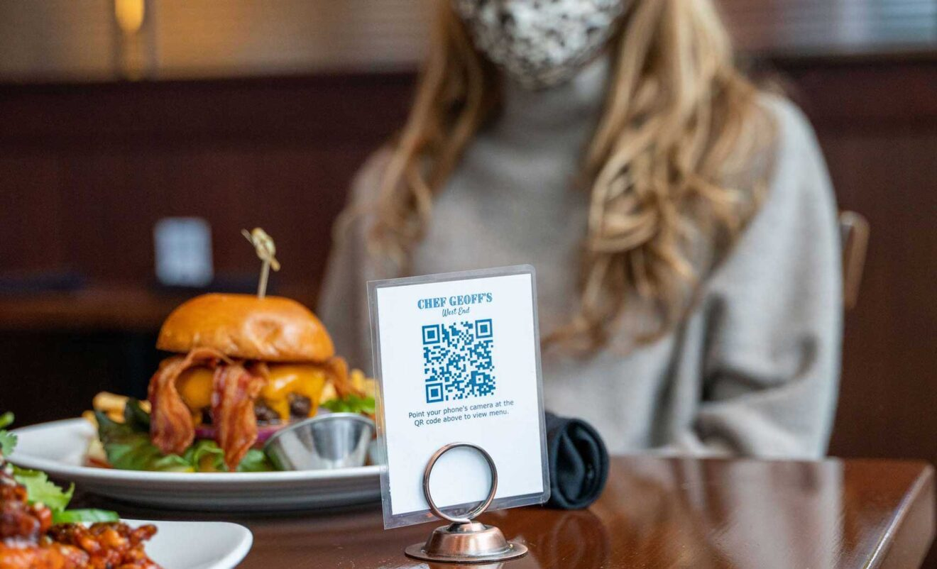 Research: Contactless Features Helped Fast Casual Restaurants Outperform Full-Service Counterparts During the Pandemic