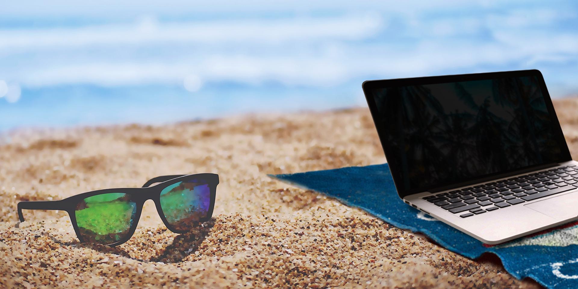 Laptop Beach Lifestyle