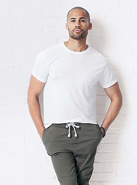 Men's white tee shirt