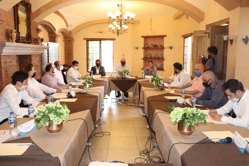 Secretario de  Turismo en San Juan establece los protocolos para la recepción de turistas