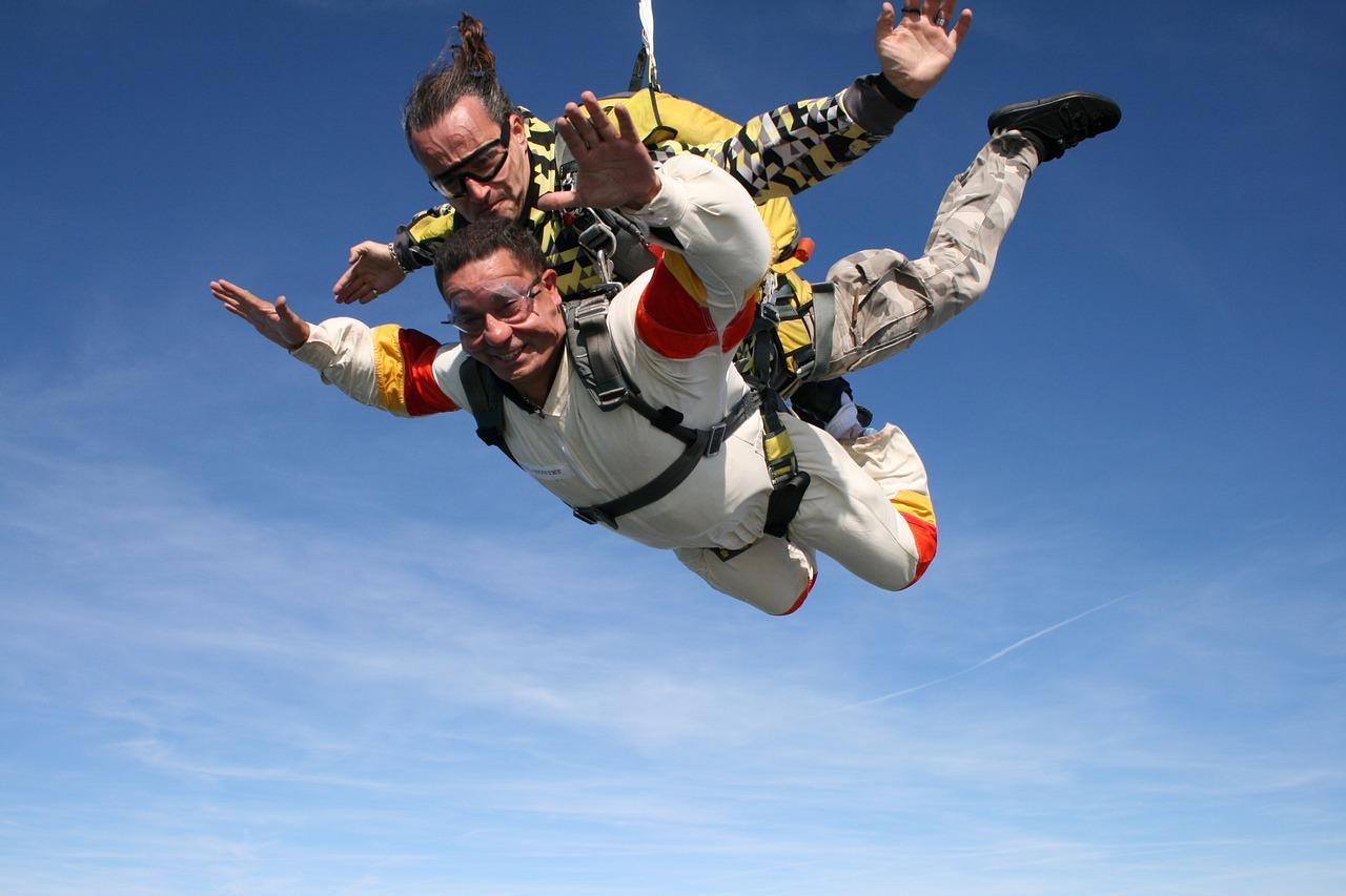 skydiving-sport-extreme-721298.jpg