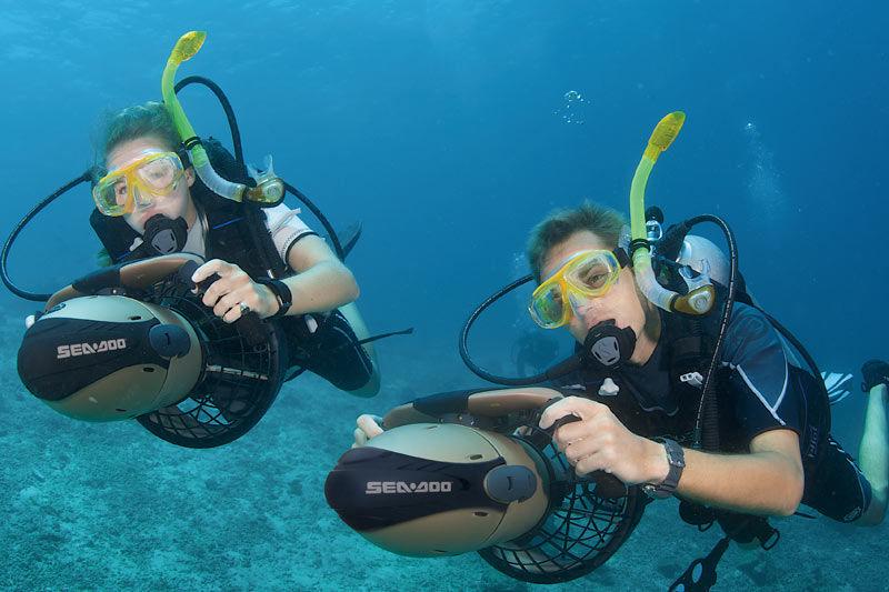 underwater-scooter-23031-2396391.jpg