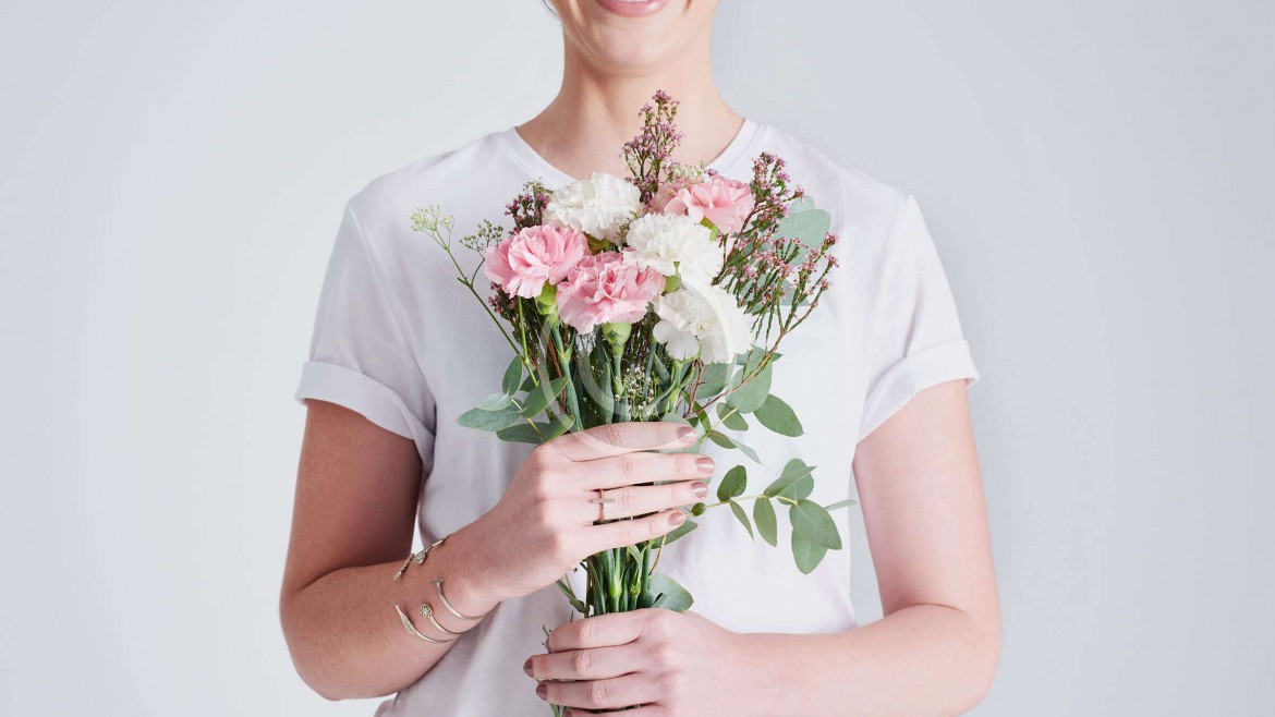 10 chic bouquets that will make you rethink classic roses