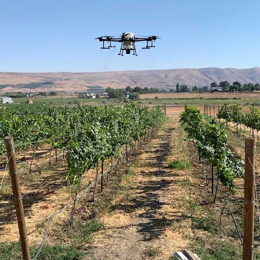 Copyright © AgAID Institute - Drone sprayer