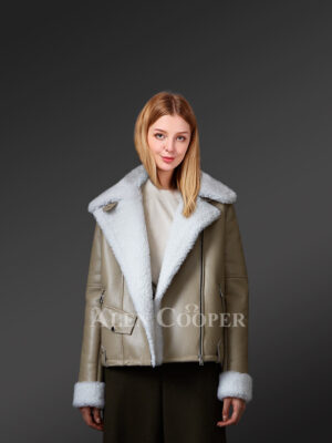 Authentic shearling coats in brown to make women more tasteful