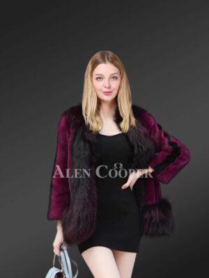 Lusturious Mink Fur Coat With Silver Fox Fur Trim For An Elegant Women