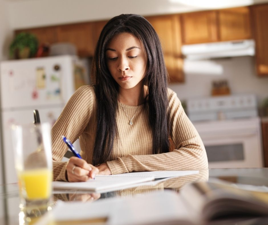 How to Organize Your Scholarship Search