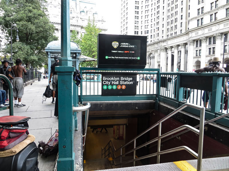 Subway stop closest to the Brooklyn Bridge