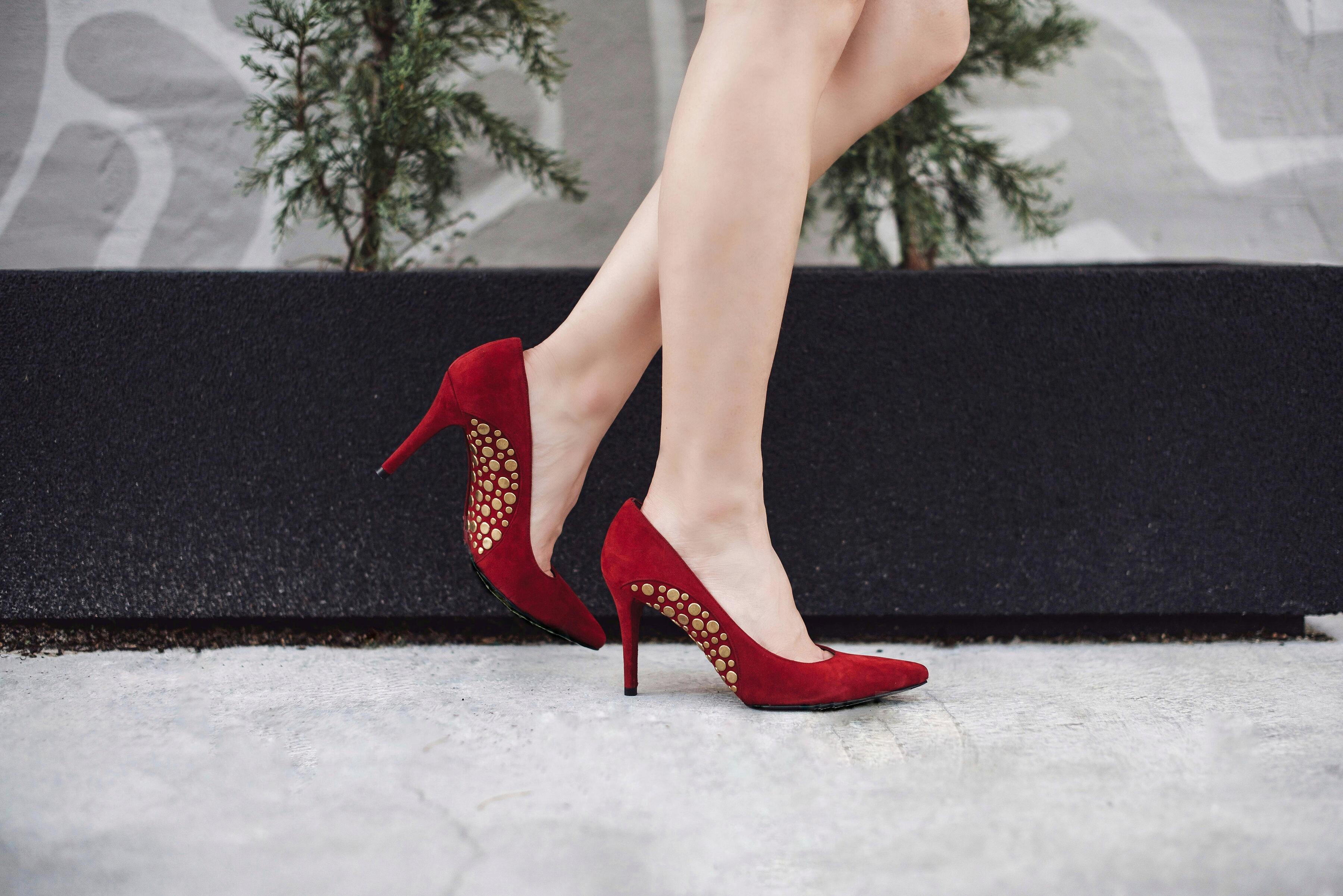 stuart-weitzman-burgundy-shoes