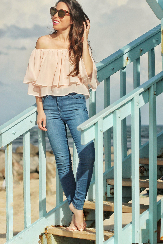 flouncy top jeans summer look