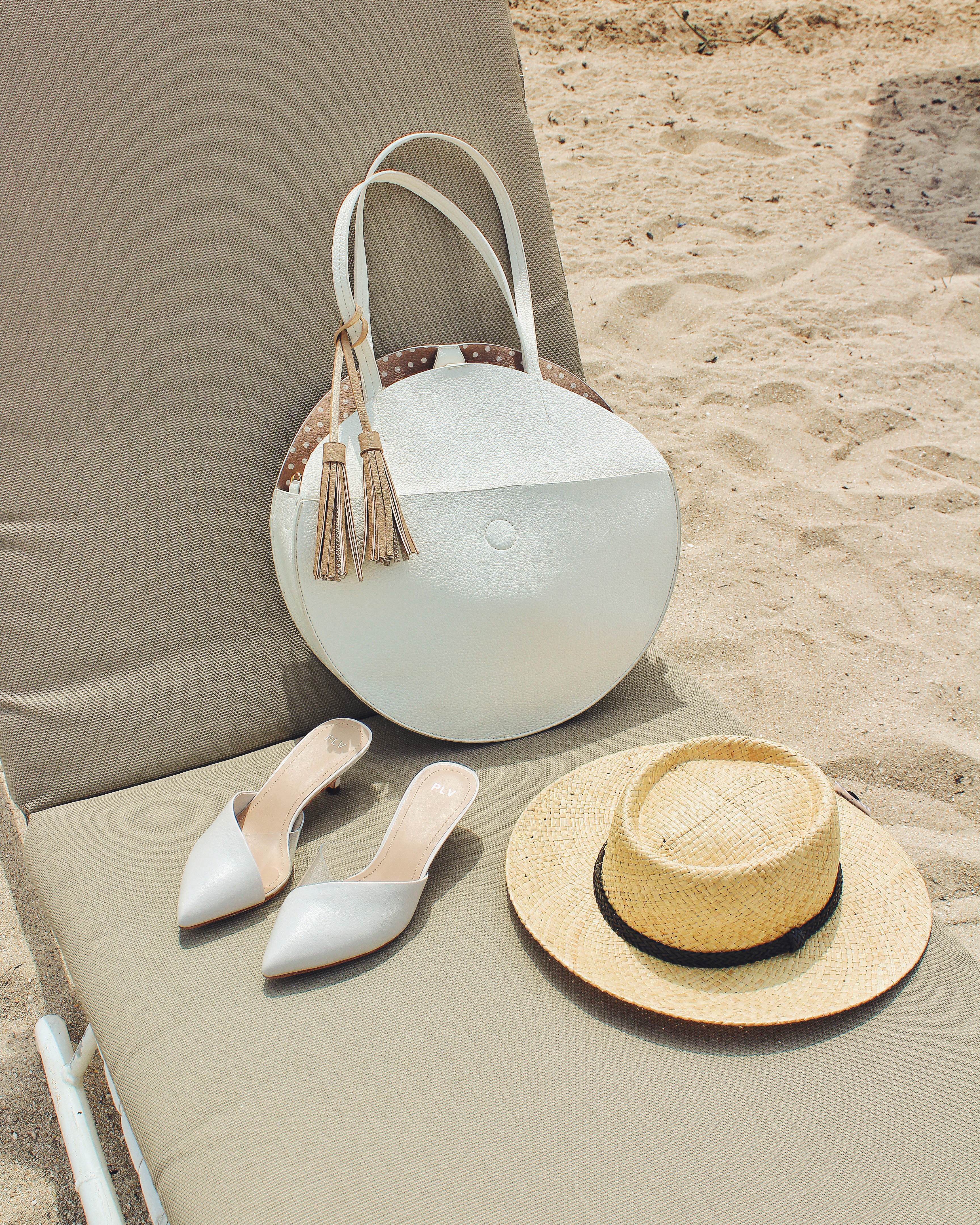 white tote bag anthropologie boat hat topshop