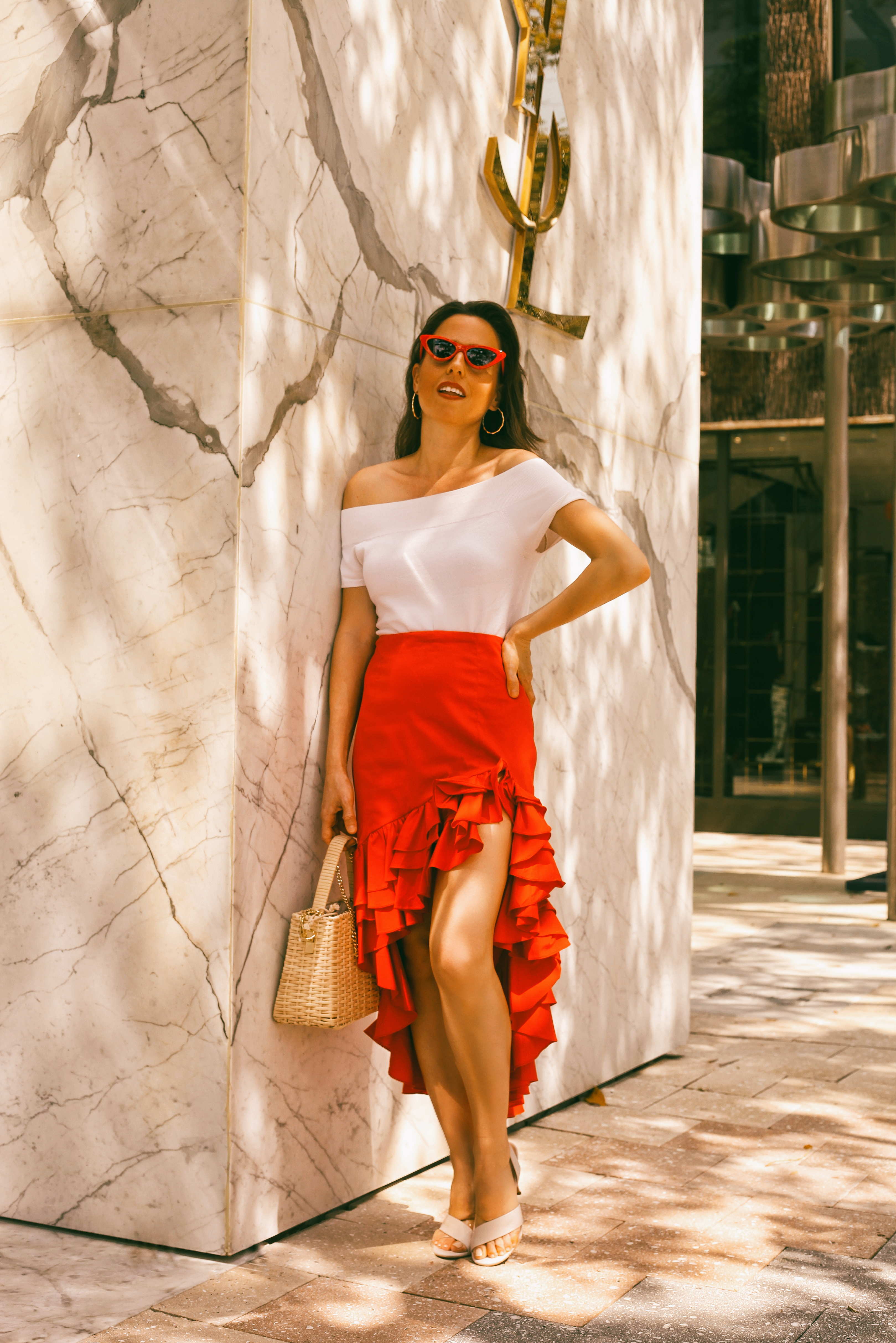how-to-style-a-red-skirt