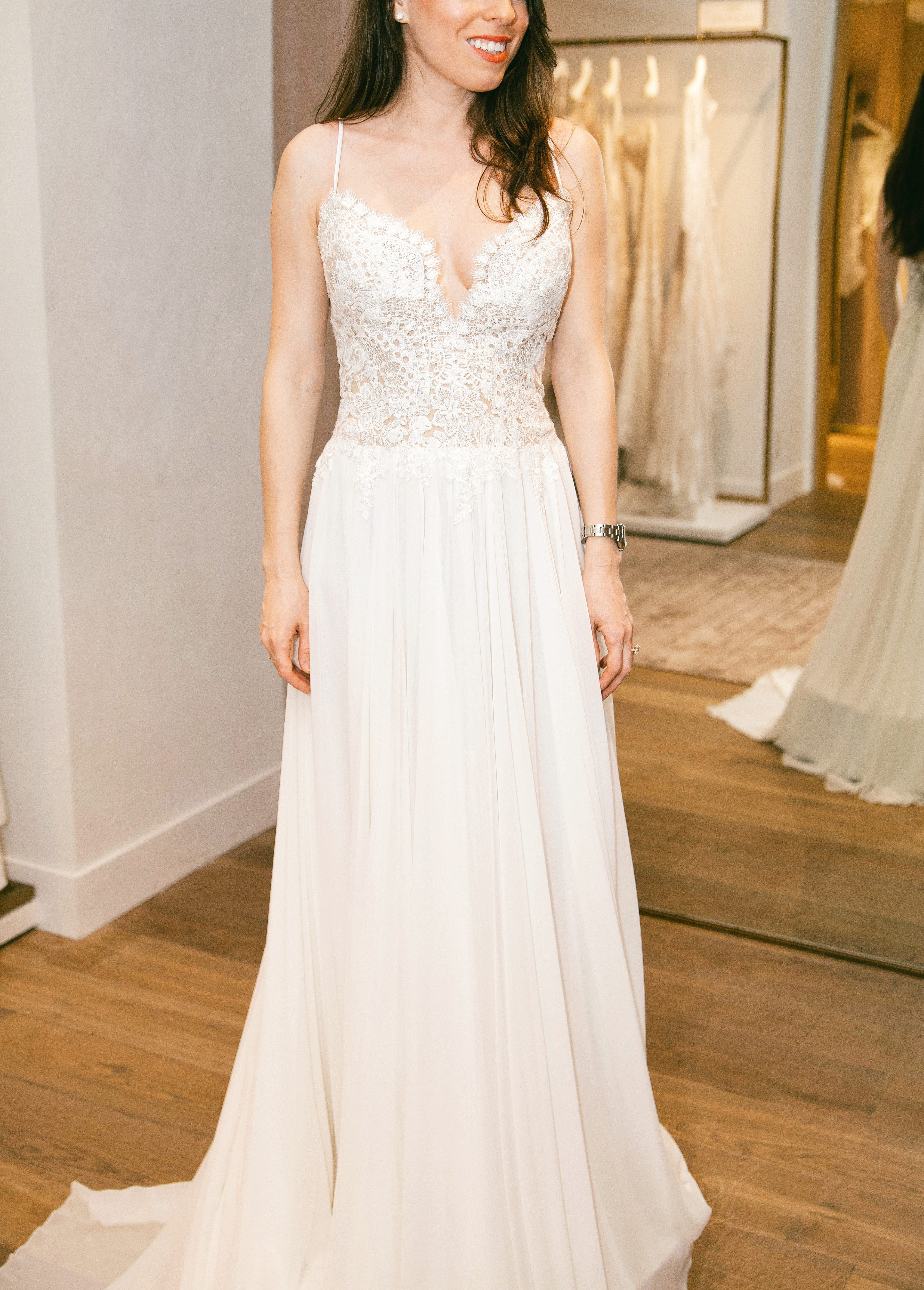 wedding-dress-try-on-pronovias-ana-florentina