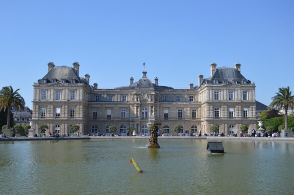 Paris: the Iconic to Off the Beaten Path