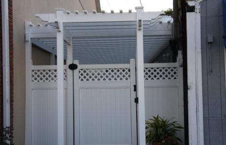 Phoenix_Manufacturing_Pergola with Lexington Fence