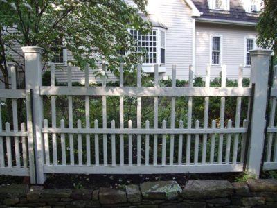 Phoenix_Manufacturing_Classic_Highland_Fence
