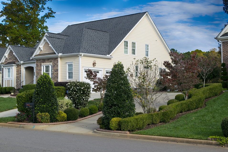 Lawn Masters of Kentucky - Residential Lawn Maintenance