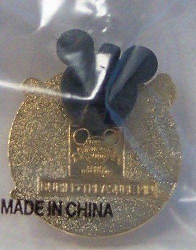 Disney Pirates Caribbean Buried Treasure Pin Back