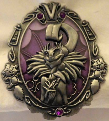 Disney Wonderfully Wicked Yzma Emperor's New Groove Villain LE Pin New Front