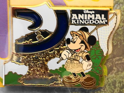 Disney WDW Mickey Animal Kingdom Annual Passholder 2014 LE 2500 Pin New On Special Card Front Closeup