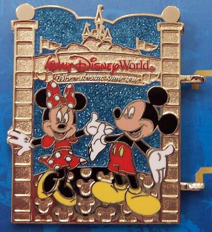 Disney WDW Mickey Minnie Passholder A World Of Magic 2013 Pin New Front