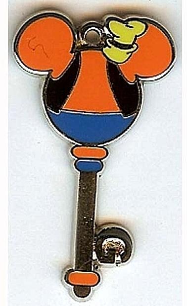 Disney Goofy Mystery Character Key Pin Front New