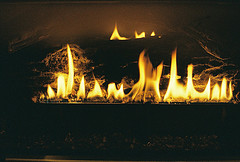 Unvented gas logs
