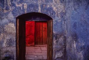 Peru Wall • ©Barry Brukoff