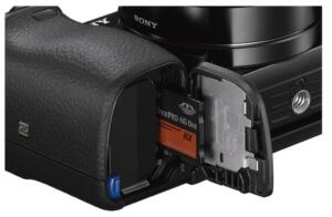 sony-a6000-battery-and-card-compartments