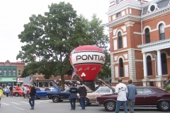 Pontiac balloon on the grounds of the Pontiac Courthouse