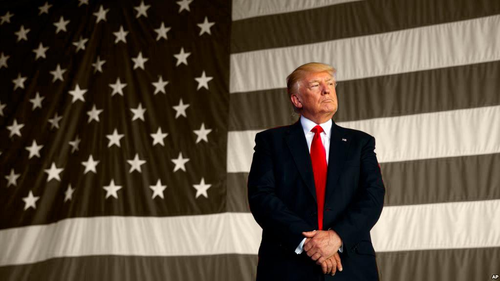 Donald Trump títere del pasado