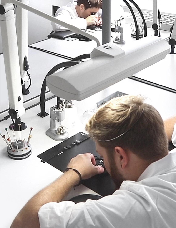 Vieren watchmaker in switzerland