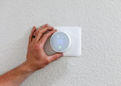 Hand turning nest thermostat