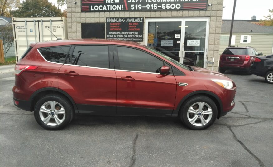2014 Ford Escape SE – Back-up Camera, Heated Seats, Bluetooth, Alloy Wheels