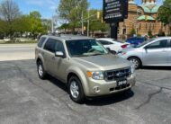 2010 FORD ESCAPE XLT 4WD V6 – Very Clean
