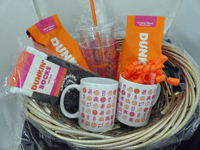 dunkin donuts mugs and coffee basket