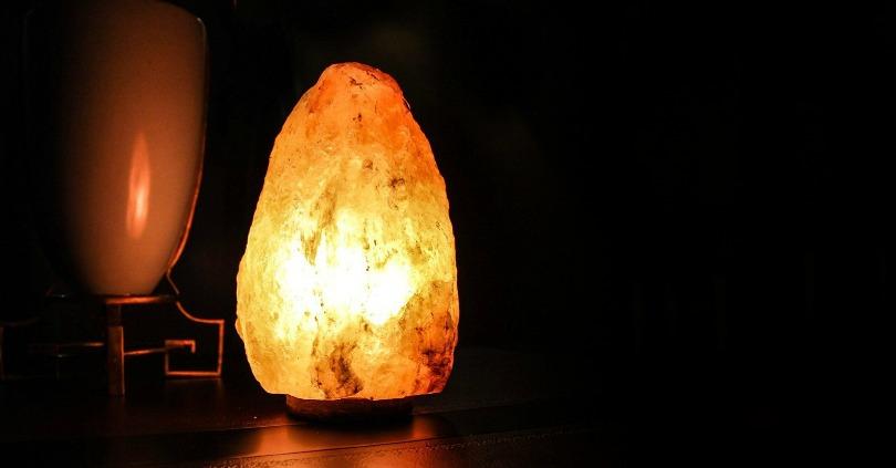 How a Himalayan Salt Lamp Can Improve Your Mood