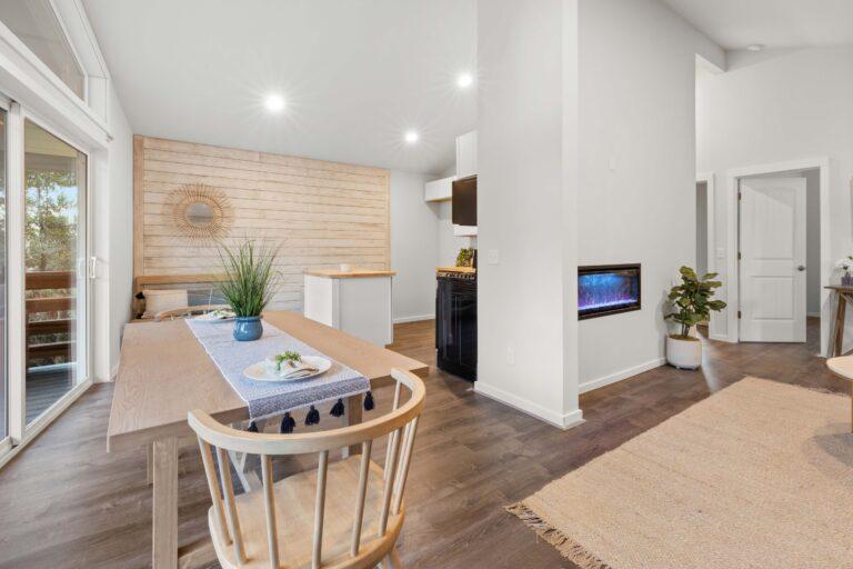 607 N Melbourne Westport