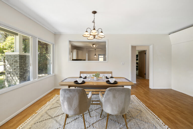 324 W 9th St Staging